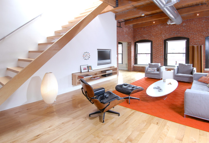 YeelesLoft2 726x500 Fort Point Loft